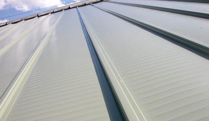 Aluminum Roofs-Boca Raton Pool Screen Enclosure Installation and Patio Screen Repairs Services-We do screen enclosures, patios,poolscreens, fences, aluminum roofs, professional screen building, Pool Screen Enclosures, Patio Screen Enclosures, Fences & Gates, Storm Shutters, Decks, Balconies & Railings, Installation, Repairs, and more